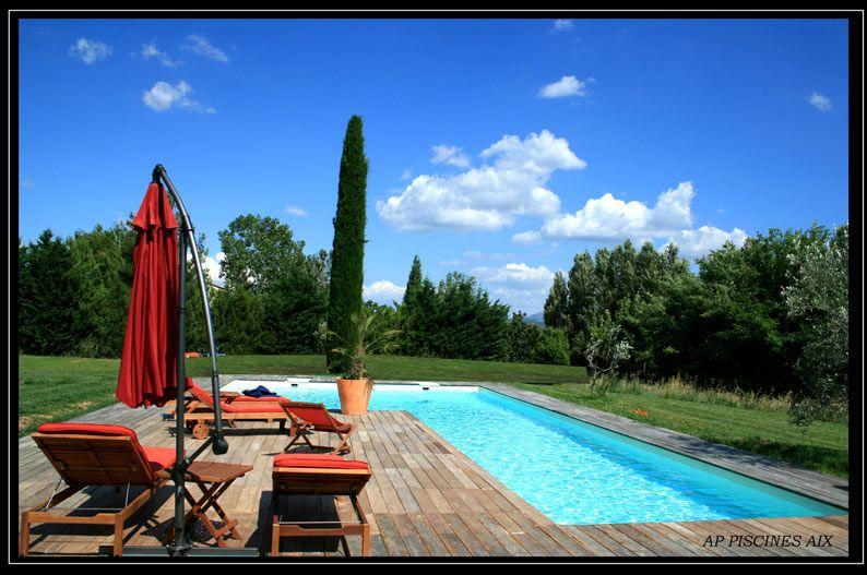 Forma livre piscinas desjoyaux for Piscinas insolitas