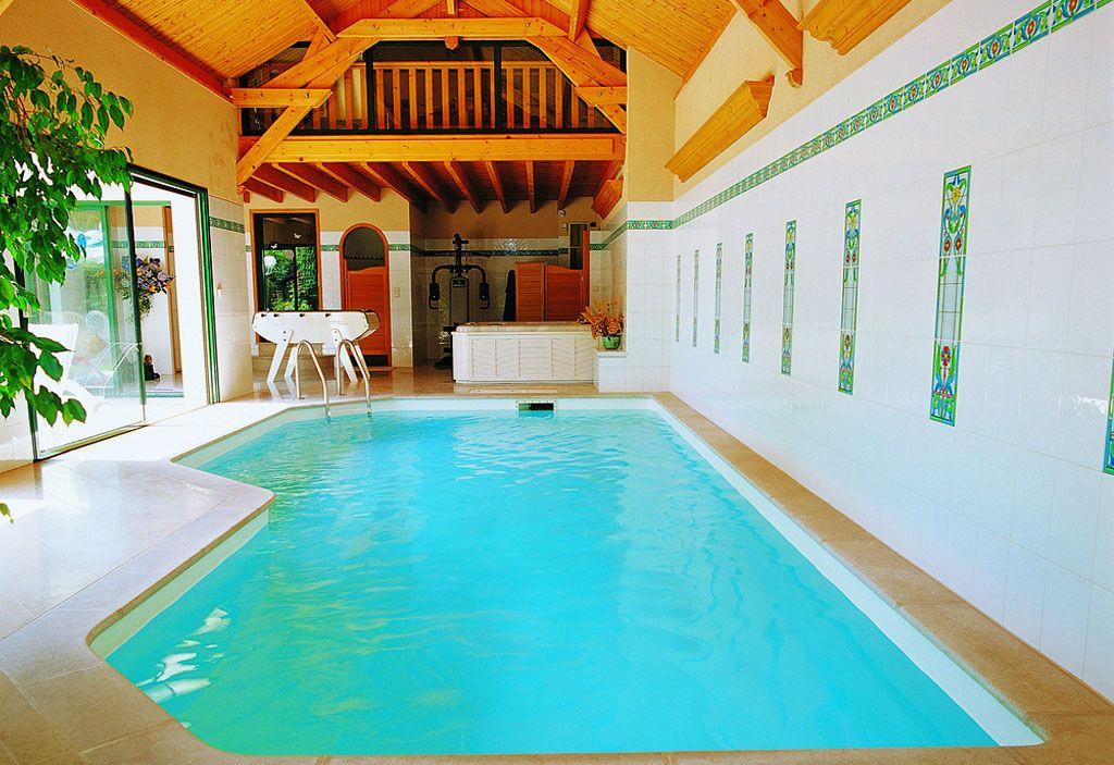 Piscinas do interior piscinas desjoyaux for Piscinas ecologicas pequenas
